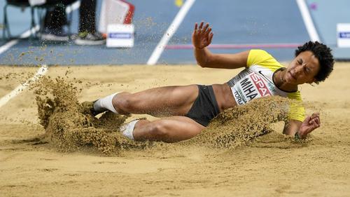 Malaiko Mihambo sprang bei der Hallen-EM mit 6,88 Metern zu der Silbermedaille