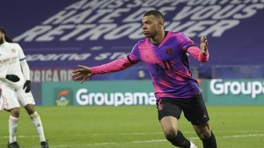 Traf beim PSG-Sieg in Lyon doppelt: Kylian Mbappé