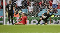 Für Manuel Neuer (M.), Mats Hummels (r.) und Co. endete die EM bereits im Achtelfinale