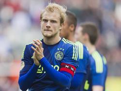 Nicolai Boilesen bedankt het publiek na afloop van het competitieduel FC Utrecht - Ajax. (05-04-2015)