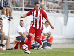 Javier Manquillo maakt speelminuten namens Atlético Madrid tijdens het oefenduel met Cadiz (12-08-2016).