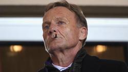 Hans-Joachim Watzke schaut allein auf seinen BVB