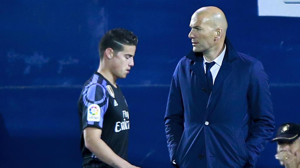 Zinédine Zidane war bereits in der Saison 2016/17 Trainer von James Rodríguez