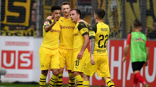 Marco Reus (M.) führte seinen BVB zum souveränen Auswärtssieg