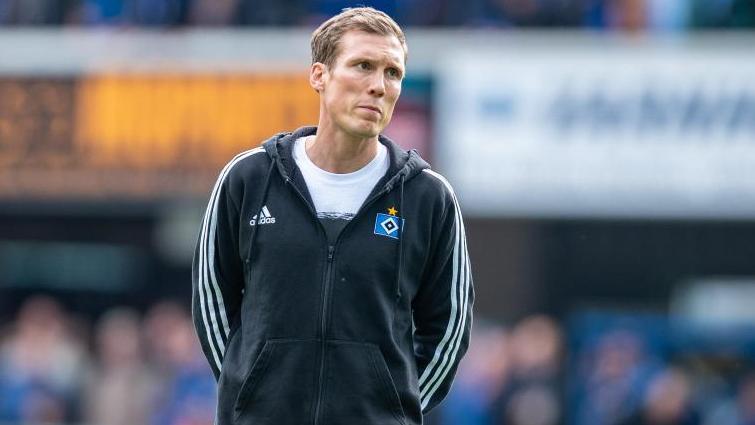 Ist noch Trainer beim HSV: Hannnes Wolf