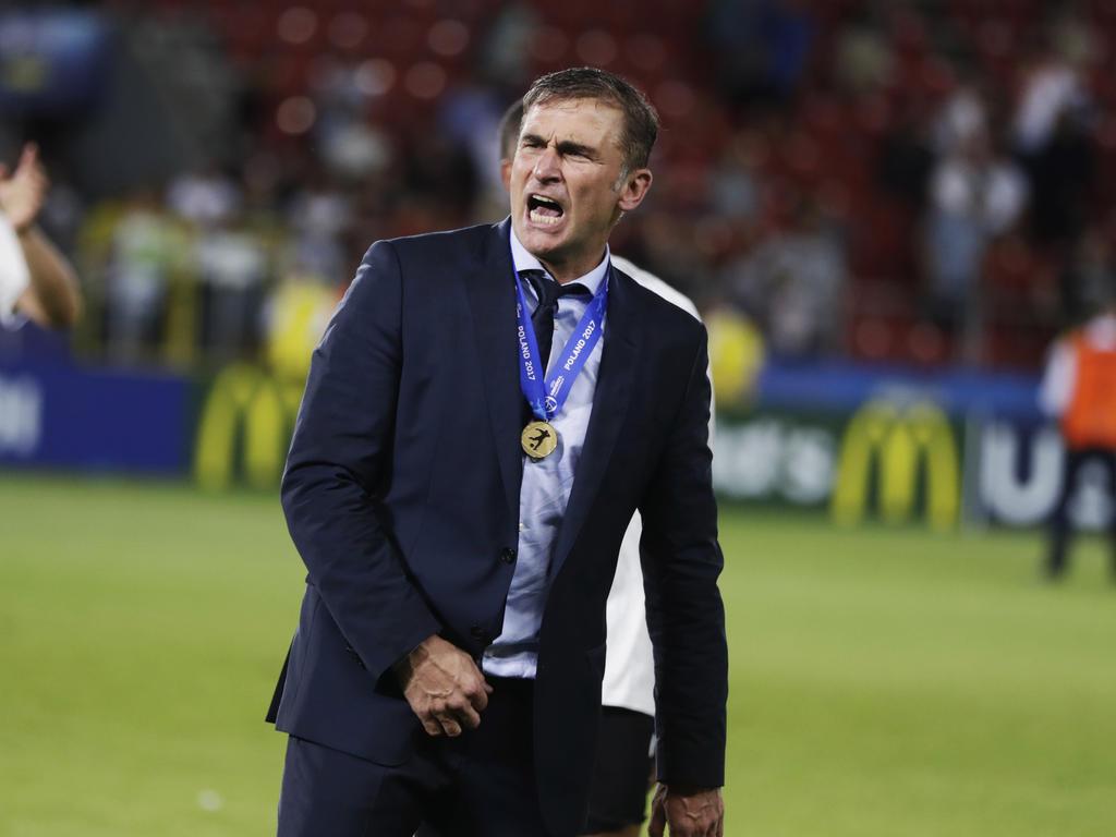 Nach dem Finalsieg bei der U21-EM ist auch die Freude bei Coach Stefan Kuntz groß