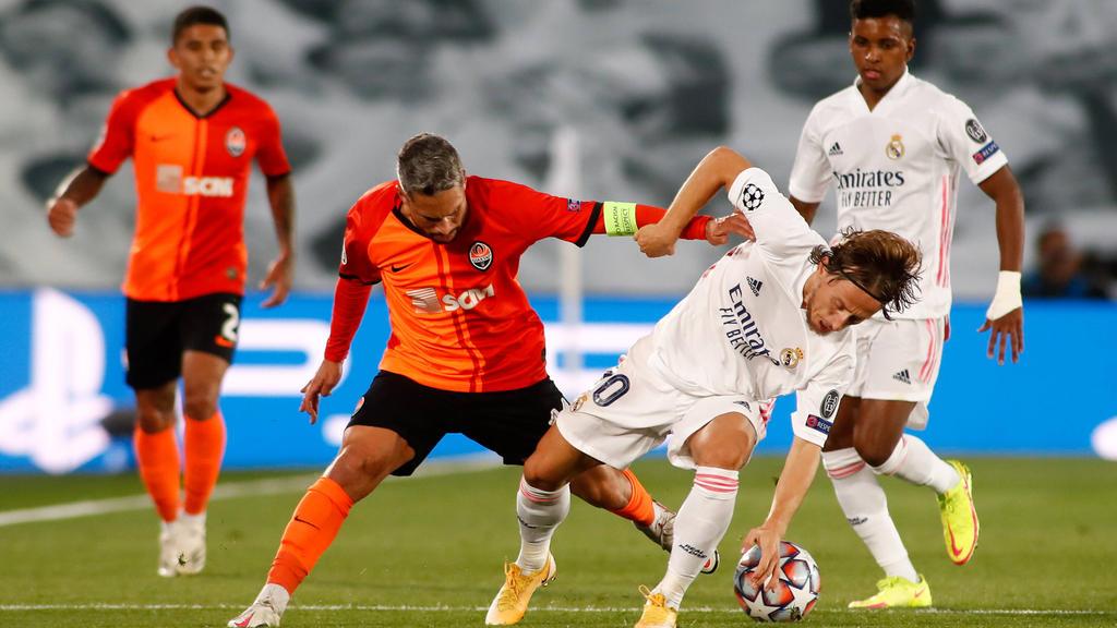 Luka Modric (r.) und Real Madrid stolperten zu Hause gegen Schachtar Donezk