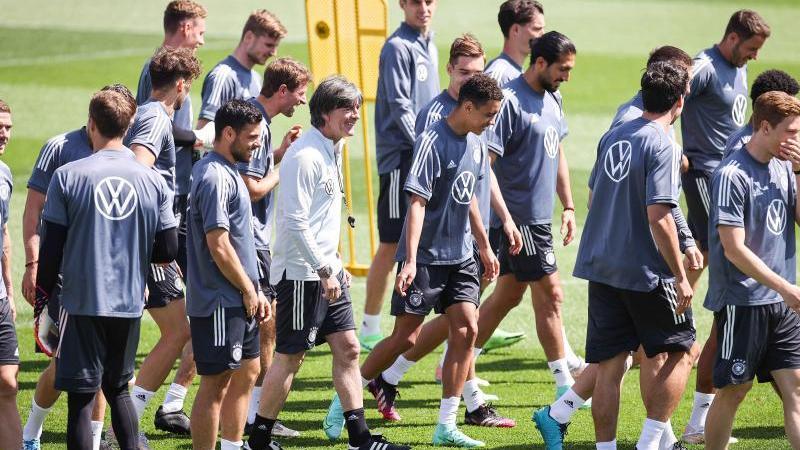 Bundestrainer Löw bereitet sein Team auf den EM-Auftakt vor