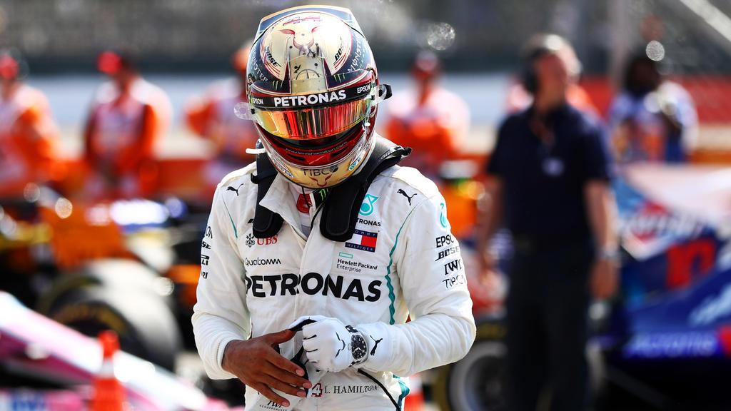 Aussteigen und erst einmal abkühlen: Lewis Hamilton in Silverstone