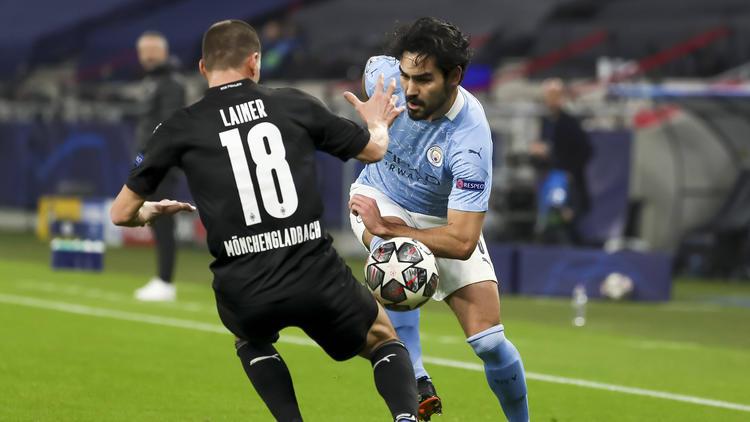 Ilkay Gündogan (r.) verschaffte sich mit Manchester City eine gute Ausgangsposition fürs Weiterkommen