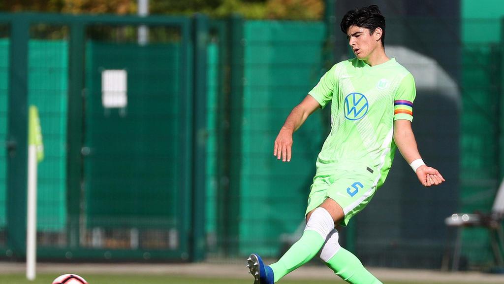 Anselmo García MacNulty vom VfL Wolfsburg wird bei Eintracht Frankfurt gehandelt