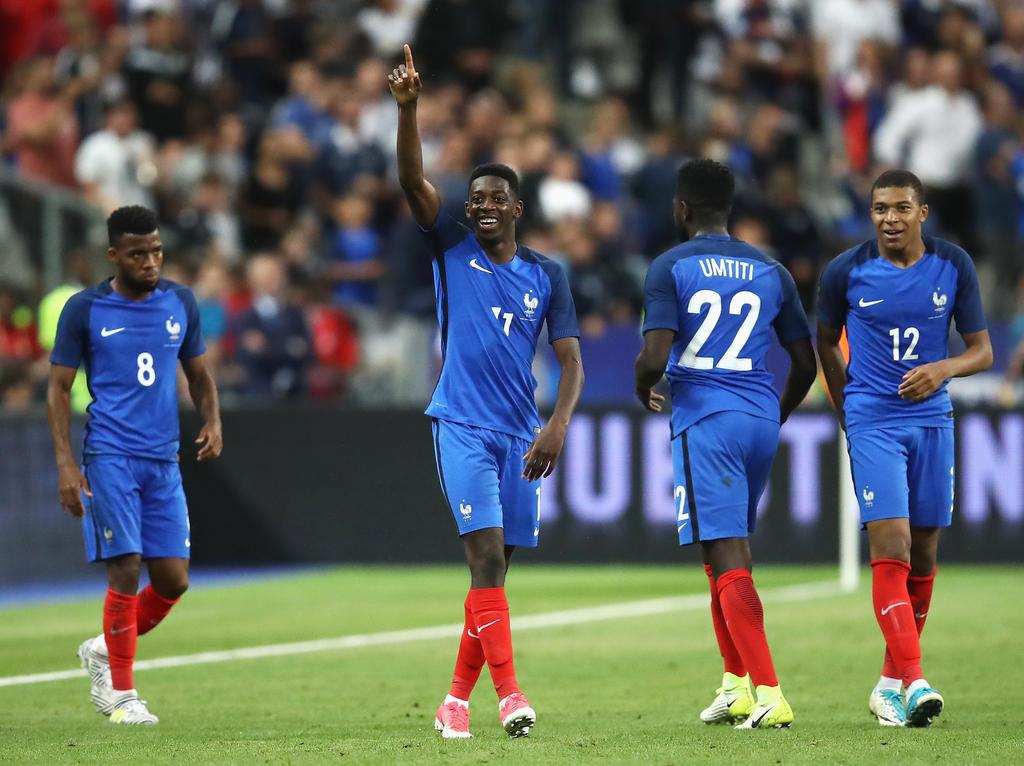 Ousmane Dembélé (2. v. l.) steht wohl vor seinem Frankreich-Comeback