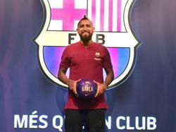 Vidal en su presentación con el FC Barcelona. (Foto: Getty)