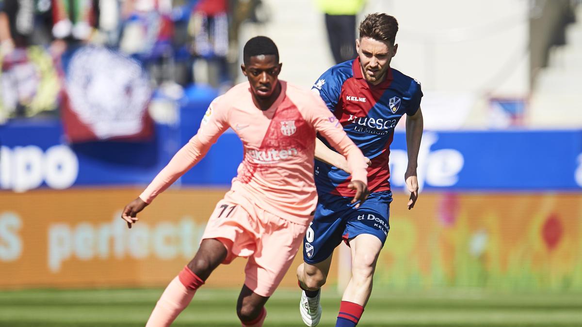 Ousmane Dembélé (l.) konnte gegen Huesca keinen Treffer erzielen