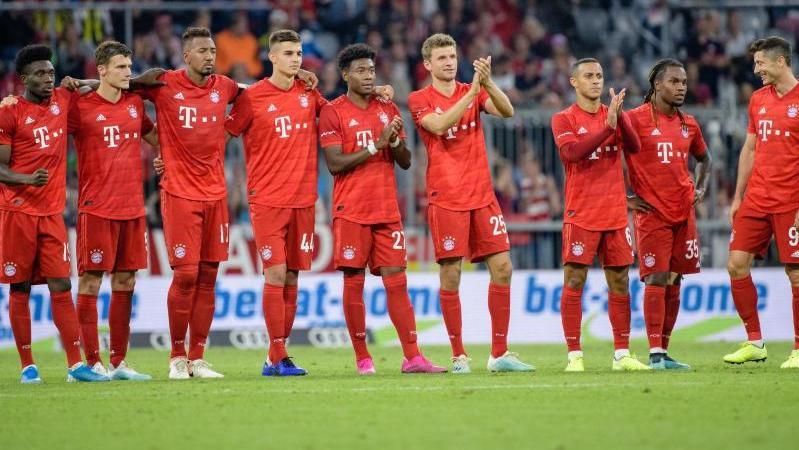 Meistertipp: Nur Werder-Coach Kohfeldt setzt ganz auf den BVB