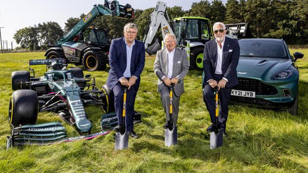 In Silverstone ist der Spatenstich für die neue Fabrik von Aston Martin erfolgt
