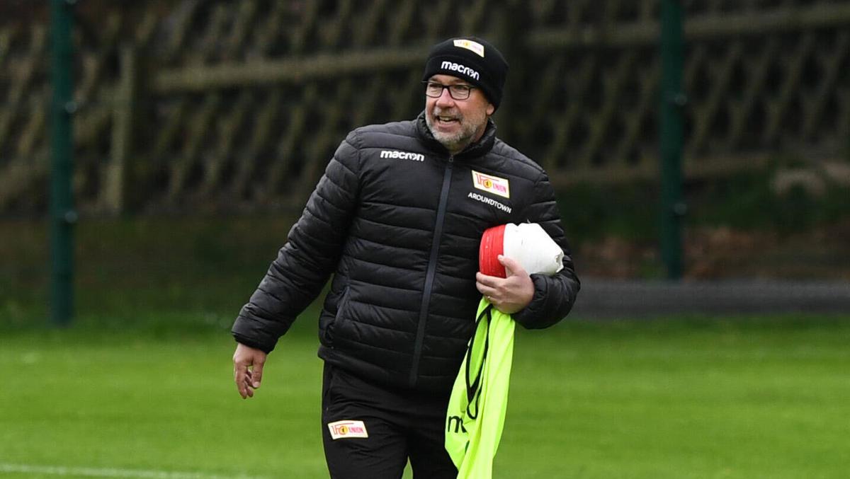 Urs Fischer leitet wieder das Training des 1. FC Union Berlin