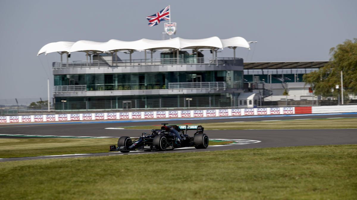 Derzeit uneinholbar: Hamilton im Mercedes