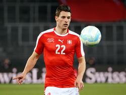Fabian Schär fue titular en defensa ante Moldavia. (Foto: Getty)