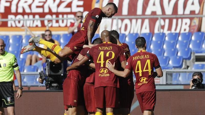 Die AS Rom besiegt den Stadtrivalen Lazio mit 3:1
