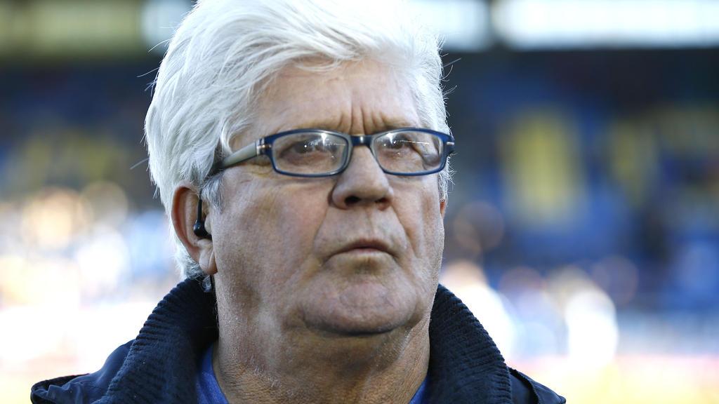 Werner Lorant verfolgt noch immer das Geschehen im Fußball