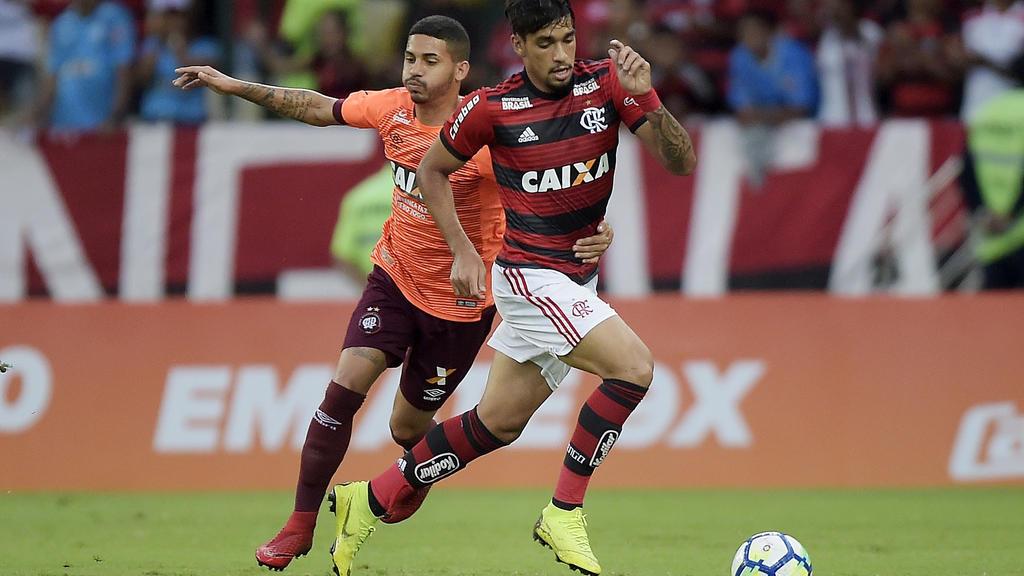 Lucas Paqueta (r.)