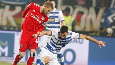 Aaron Hunt sorgte mit einem Zauberfreistoß für den Siegtreffer des HSV