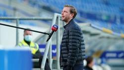 Werder Bremens Florian Kohfeldt gibt vor dem Spiel gegen die TSGHoffenheim ein Interview