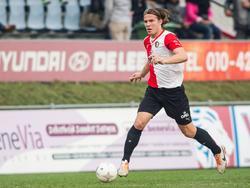 Stijn Houben, hier in actie voor Feyenoord A1, speelt hier als verdediger in de halve finale van de KNVB Beker voor A-junioren tegen FC Den Bosch A1. (24-04-2014)