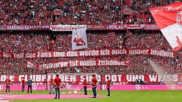 Ob den Bayern-Fans die neuen Trikots gefallen?