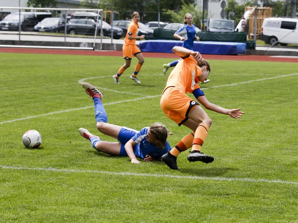Die UEFA will mehr junge Mädchen zum Fußballspielen animieren