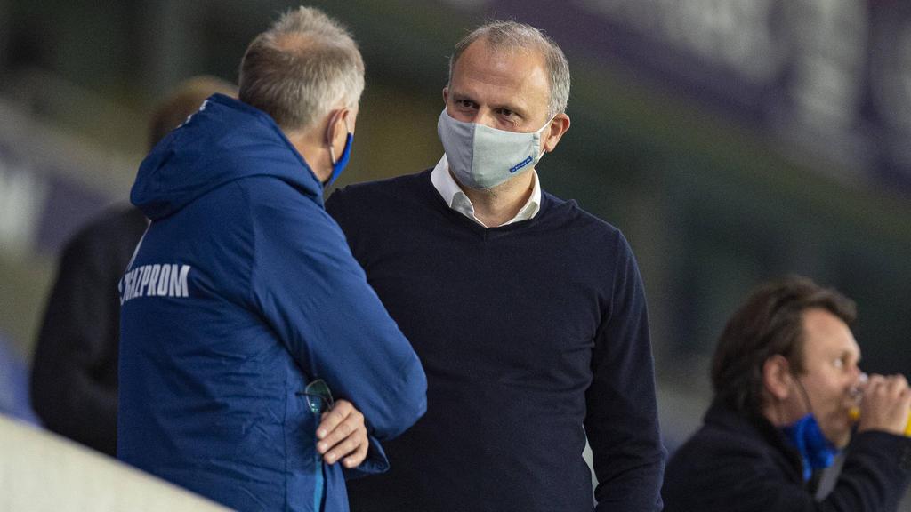 Jochen Schneider und der FC Schalke sind auf der Suche nach weiteren Verstärkungen