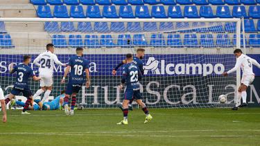 Raphael Varane (r.) rettete Real Madrid