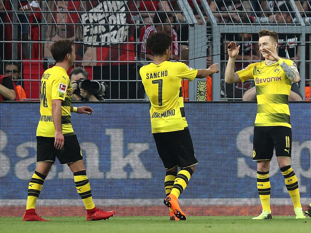 Mario Götze, Jadon Sancho und Marco Reus bejubeln eine starke Leistung des BVB
