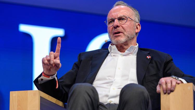 Karl-Heinz Rummenigge vom FC Bayern München hofft auf einen ruhigeren Transfermarkt
