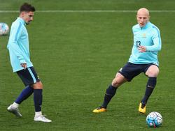 Steht im vorläufigen WM-Kader Australiens: Jamie Maclaren (l.) von Darmstadt 98