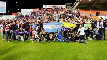 Así celebraron los jugadores el ascenso en el estadio del Lugo. (Foto: Imago)