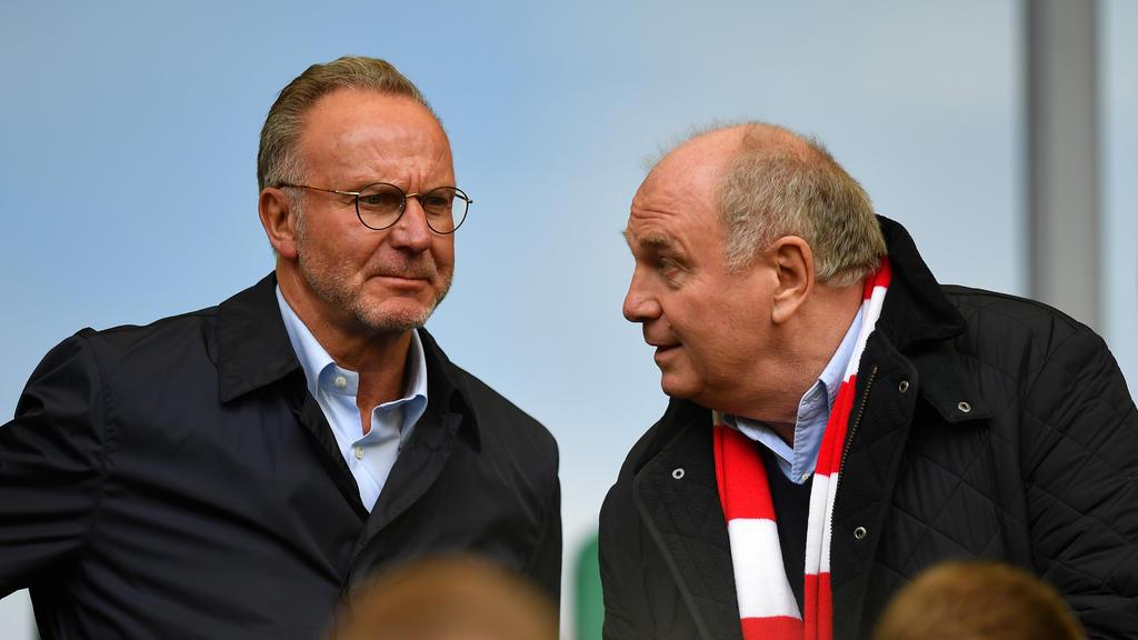 Präsident Uli Hoeneß (r.) will rechtliche Schritte des FC Bayern prüfen