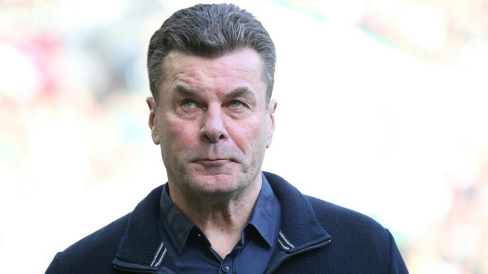 Gladbach Trainer Dieter Hecking will die Ruhe bewahren