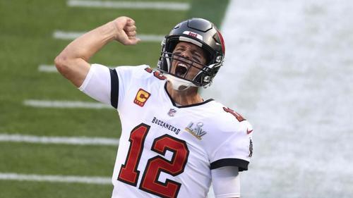 Hat seinen Vertrag bei den Tampa Bay Buccaneers offenbar verlängert: Quarterback Tom Brady