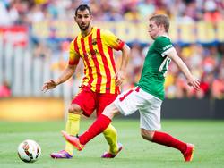 Martin Montoya (l.) bleibt vorerst beim FC Barcelona
