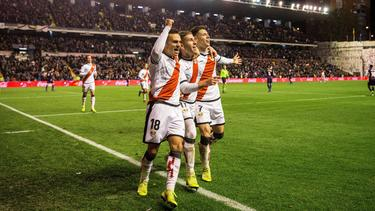 Los jugadores del Rayo celebran el gol de Embarba. (Foto: Imago)