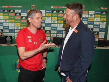 Dietmar Kühbauer und Zoran Barišić im regen Austausch