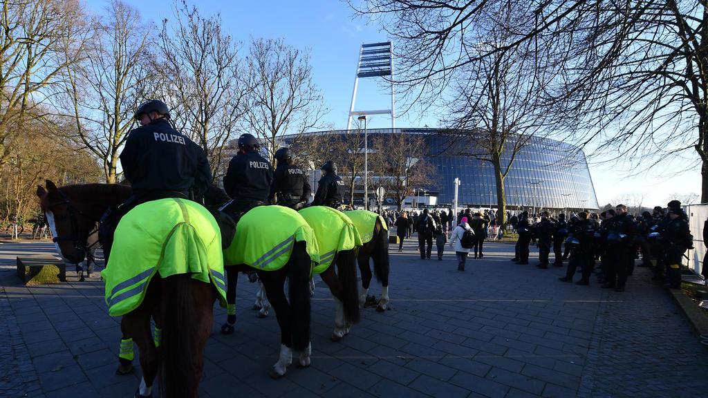Werder Bremen muss die Kosten für die Polizeieinsätze bei Risikospielen voraussichtlich alleine tragen