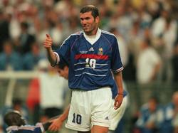 Zidane hizo una final para el recuerdo en Francia. (Foto: Getty)