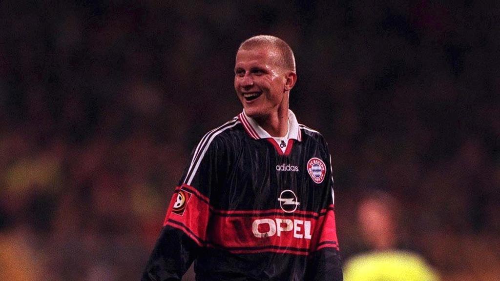Carsten Jancker des FC Bayern München freute sich über einen Fünferpack im Pokal