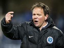 Henk de Jong debuteert met een nederlaag als hoofdtrainer van De Graafschap. Zijn ploeg gaat met 2-1 onderuit bij FC Eindhoven. (13-01-2017)
