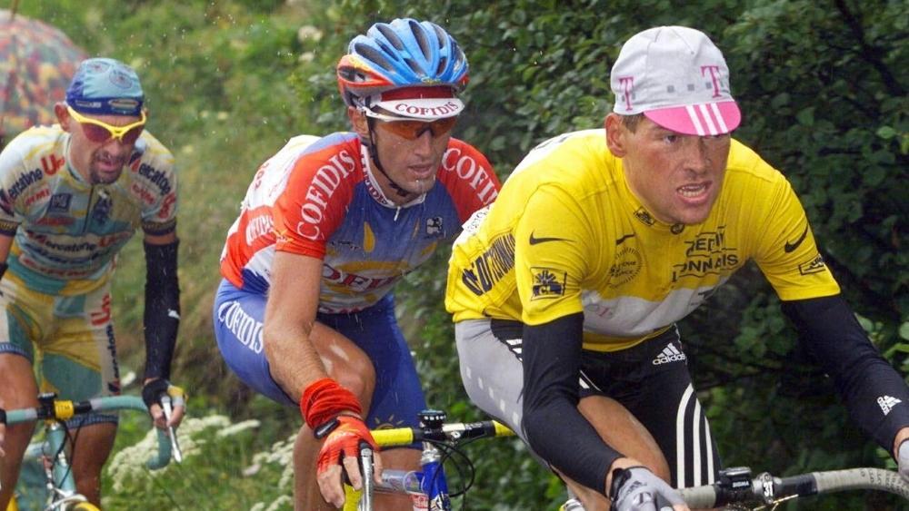 Pantani (l.) sicherte sich das Gelbe Trikot von Ullrich