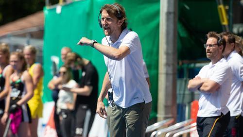 Bundestrainer Xavier Reckinger sah 13 Treffer seine DHB-Frauen