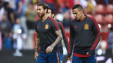 Sergio Ramos calentando antes del partido contra las Islas Feroe.